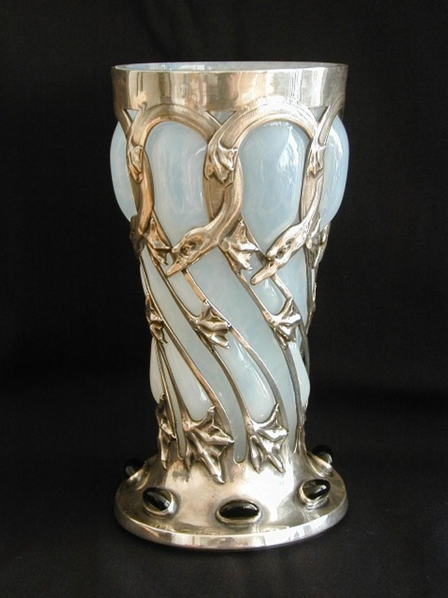 Стеклянная ваза - изысканное украшение к празднику  35