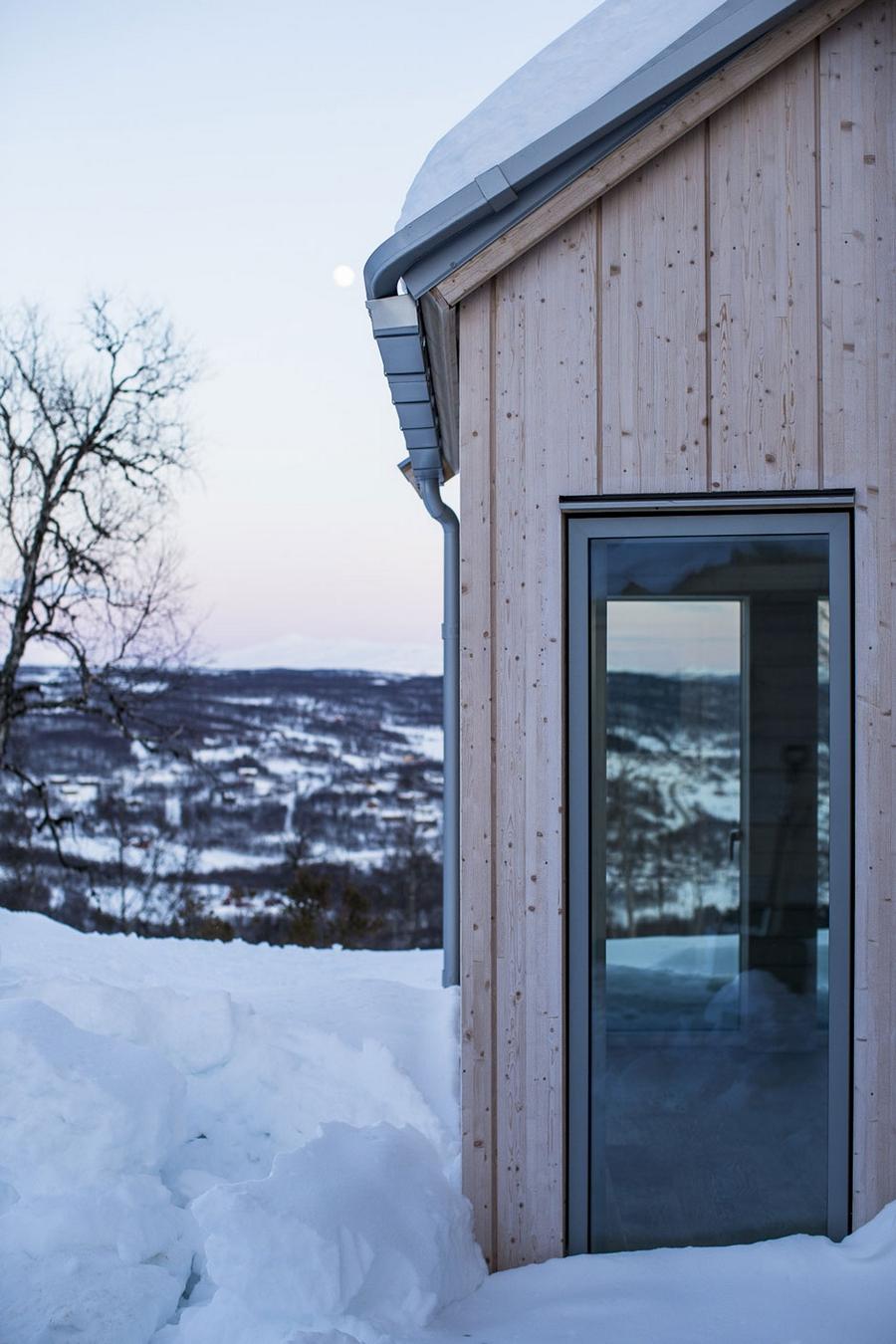 Интересный проект дома на горе 14