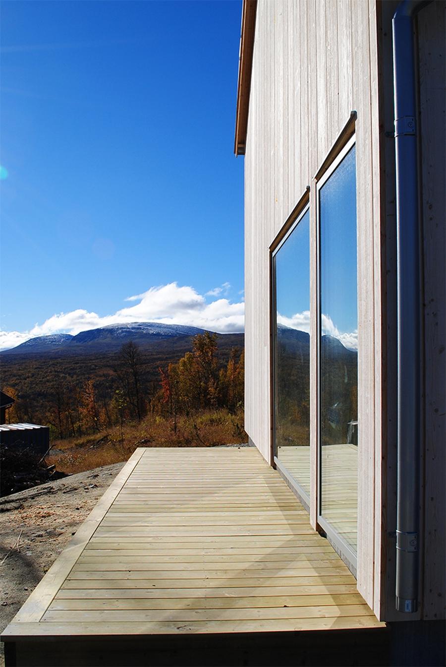 Интересный проект дома на горе 22