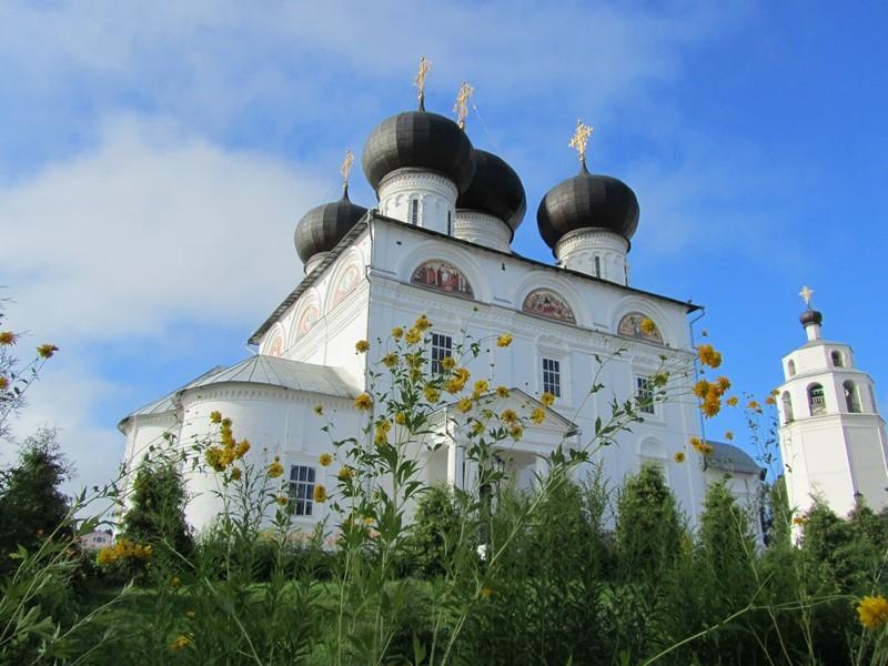Успенский Трифонов мужской монастырь, один из самых красивых архитектурных ансамблей Кирова 10