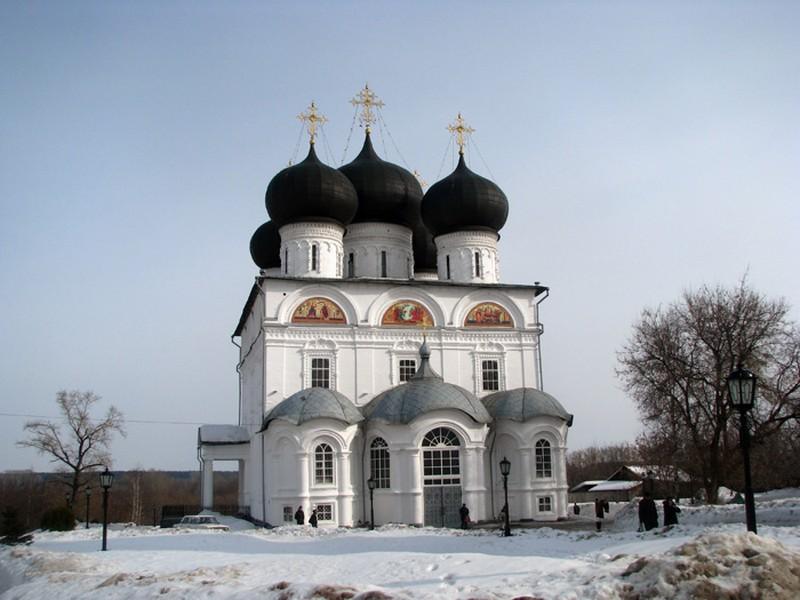 Успенский Трифонов мужской монастырь, один из самых красивых архитектурных ансамблей Кирова 11