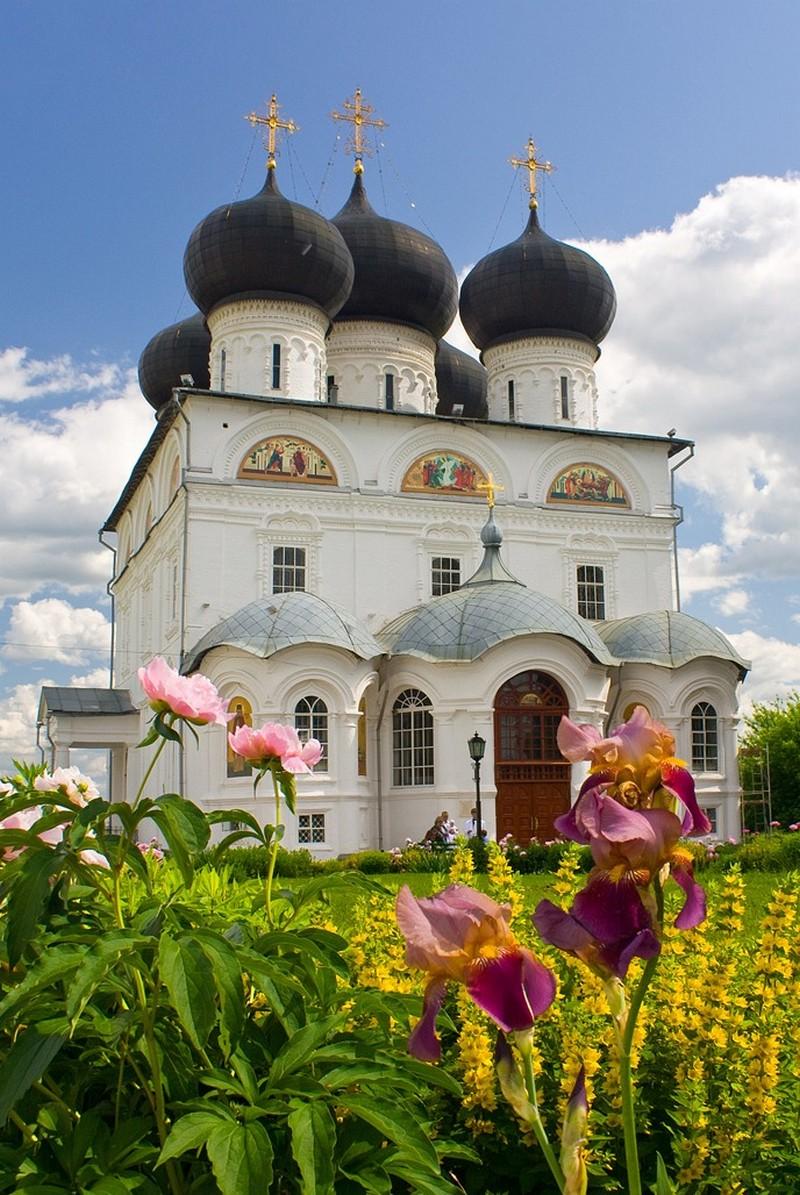 Успенский Трифонов мужской монастырь, один из самых красивых архитектурных ансамблей Кирова 17