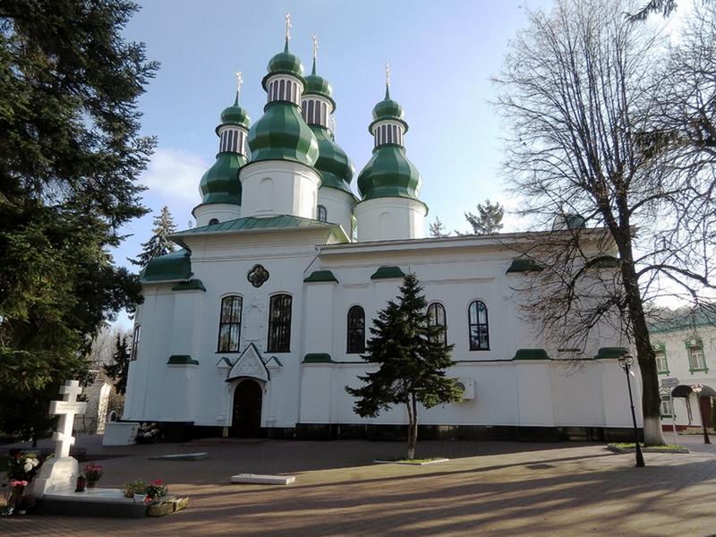 Основные достопримечательности Киева в фотографиях Trinity-Church-in-Kitaev-desert