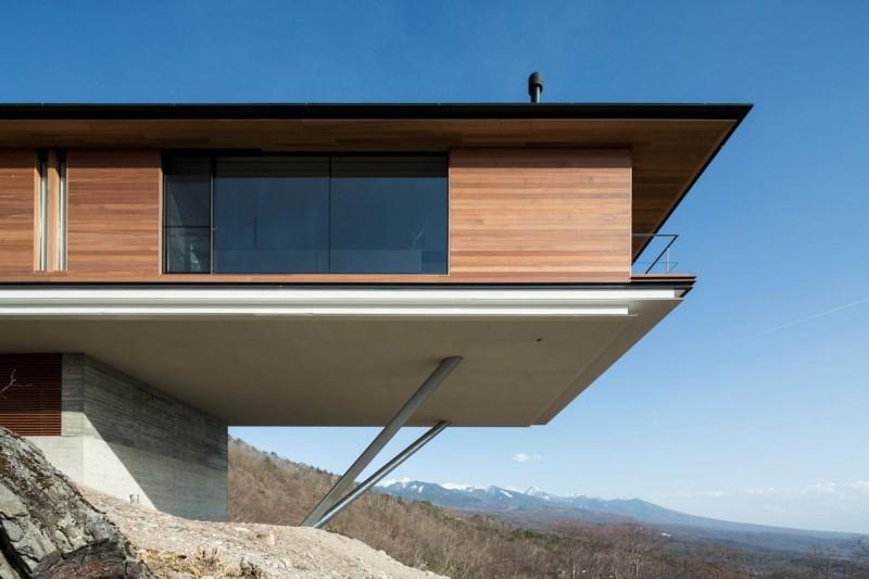 Постройка дома на склоне горы Яцугатаке  4