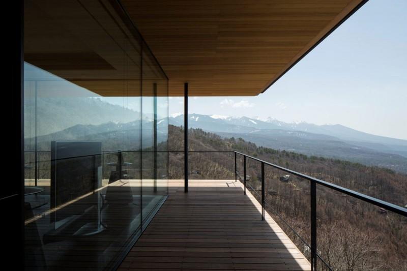 Постройка дома на склоне горы Яцугатаке  5