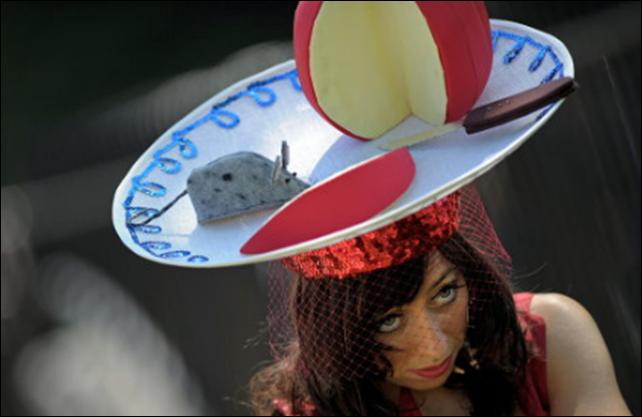 Удивительный парад шляп накоролевских скачках Royal Ascot