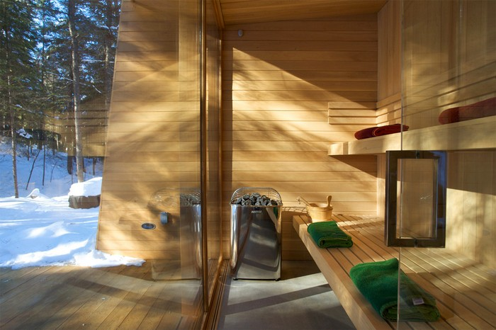 Дом из дерева посреди канадского леса 4