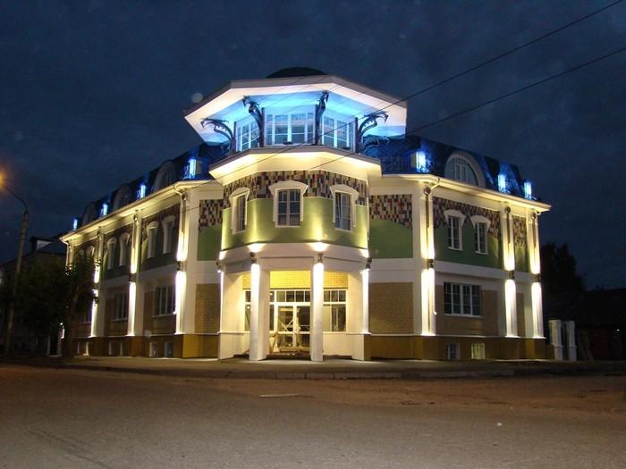 Красивое наружное архитектурное освещение зданий 3