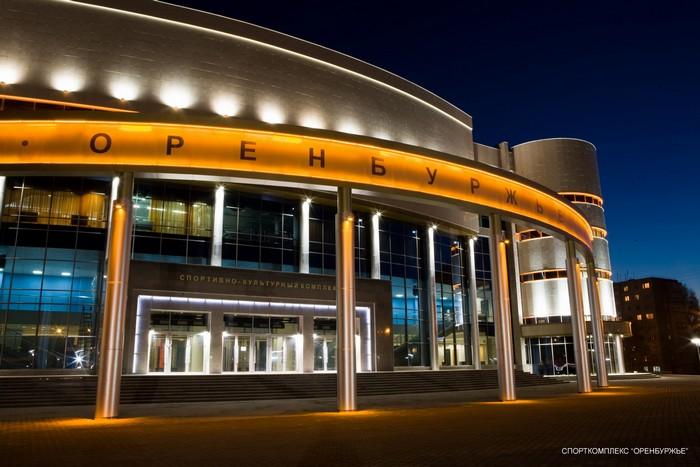 Красивое наружное архитектурное освещение зданий 4