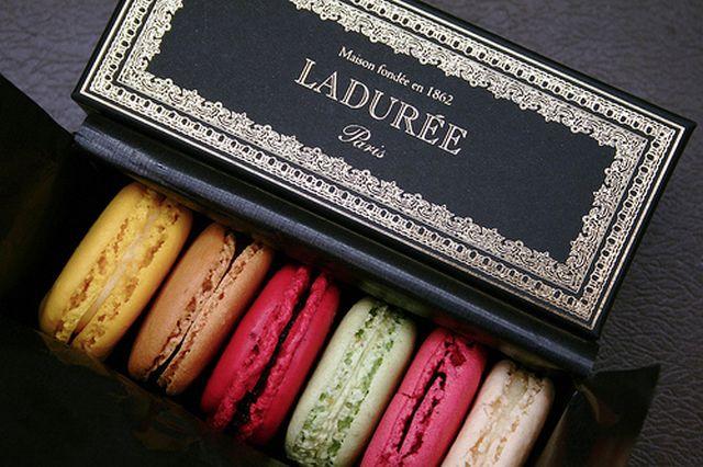 Laduree - самая знаменитая кондитерская Парижа 23