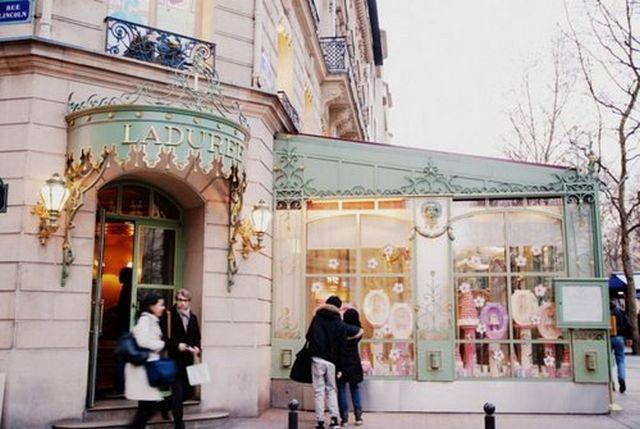 Laduree - самая знаменитая кондитерская Парижа 24
