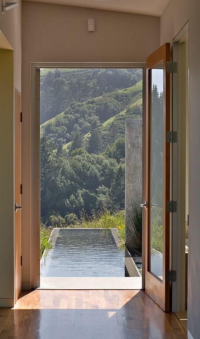Удивительный частный дом на лугу 9
