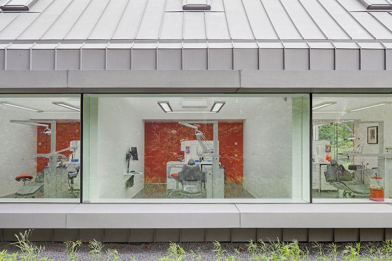 Cтоматологическая поликлиника в деревушке Бест в Нидерландах 6