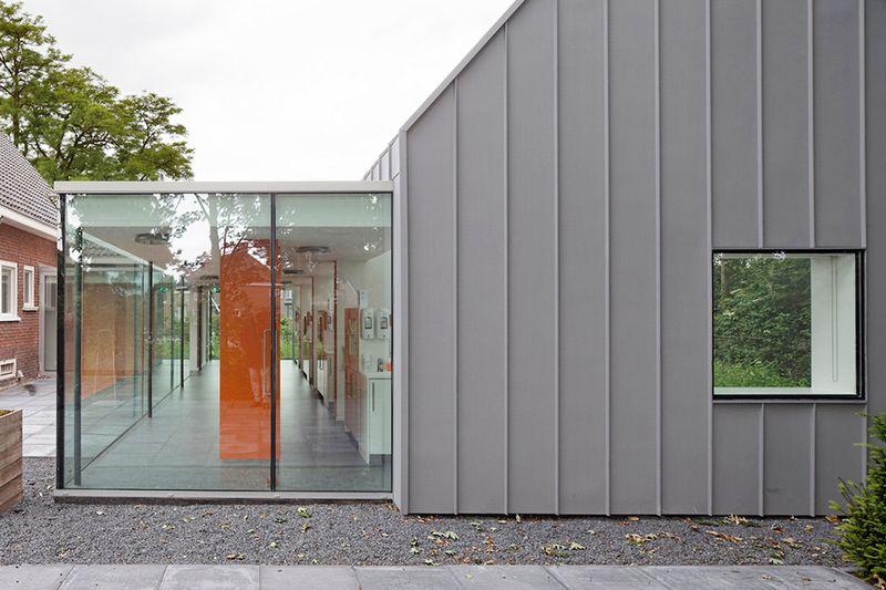 Cтоматологическая поликлиника в деревушке Бест в Нидерландах 7