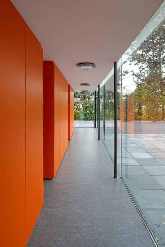 Cтоматологическая поликлиника в деревушке Бест в Нидерландах 13