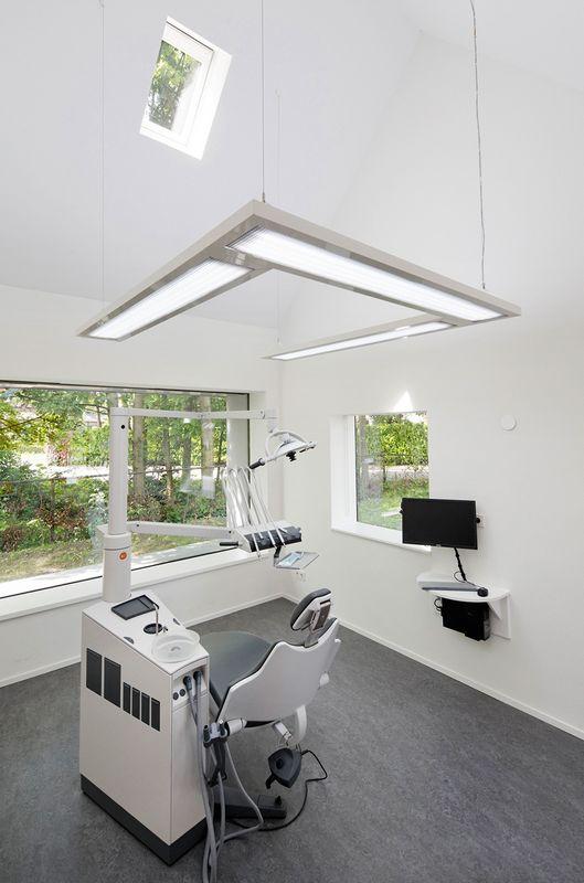 Cтоматологическая поликлиника в деревушке Бест в Нидерландах 14
