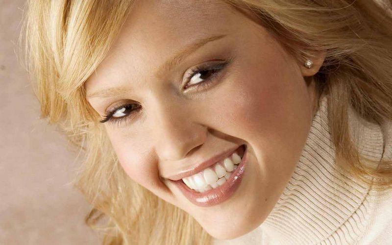 Красивая улыбка - лучший помощник в любом деле 3