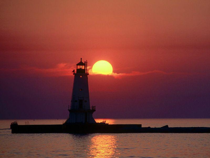 Красивые фото заката солнца - Sunset on the Lighthouse