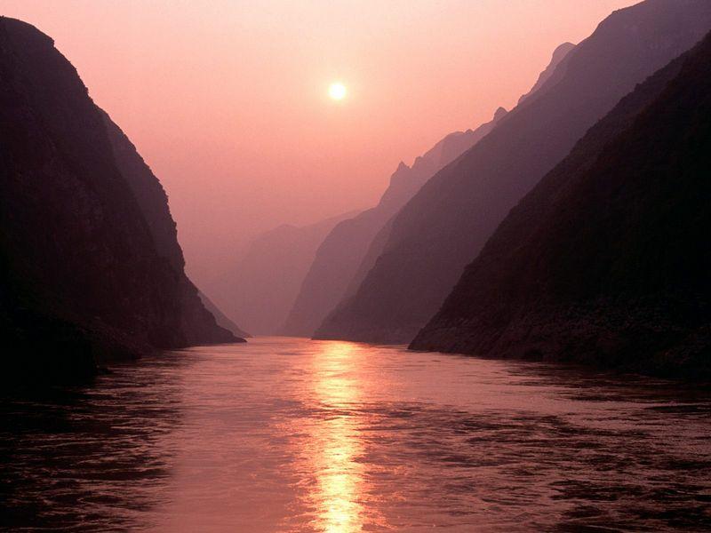 Красивые фото заката солнца - Wu Gorge of Yangtze River, China