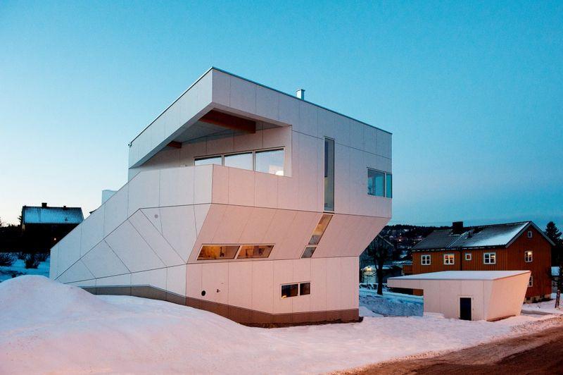 Компактный белый дом в Тронхейме 4