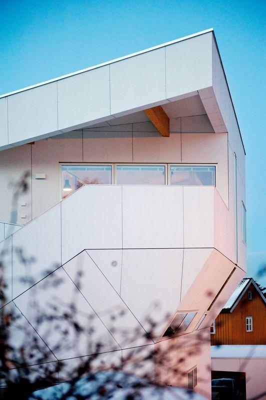 Компактный белый дом в Тронхейме 10
