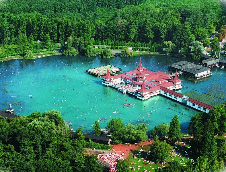 Лечебные воды озера Хевиз 1