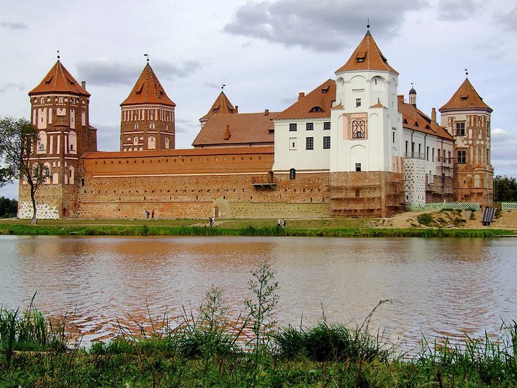 Мирский замок - достопримечательности Беларусии 1