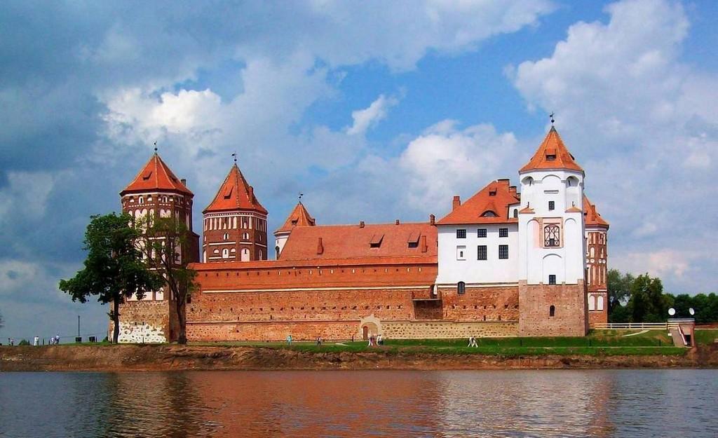 Мирский замок - достопримечательности Беларусии 8