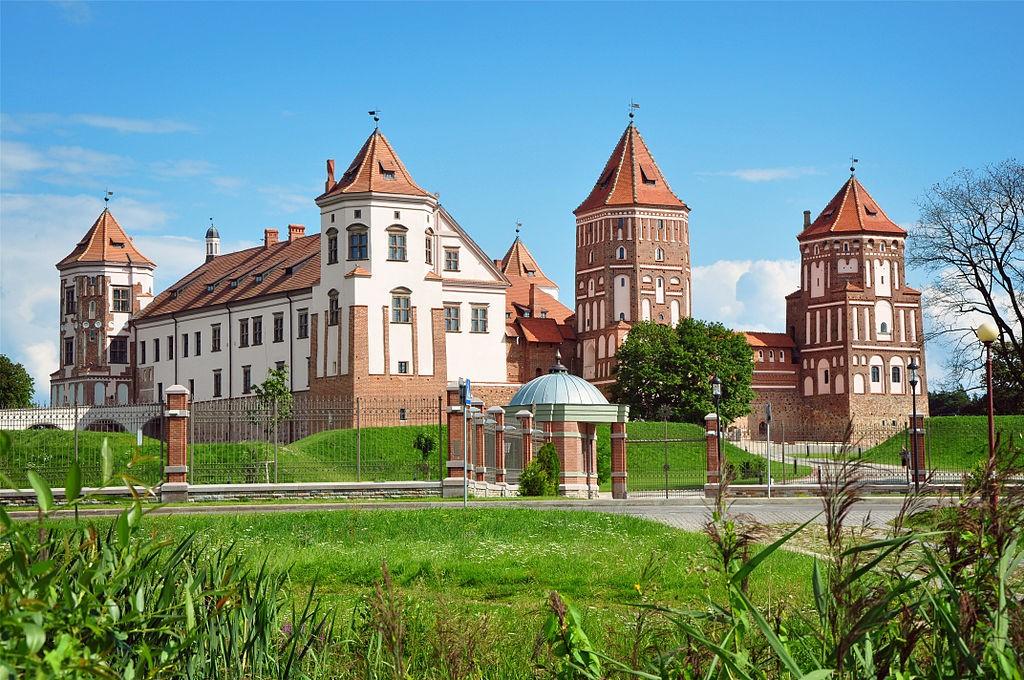 Мирский замок - достопримечательности Беларусии 10