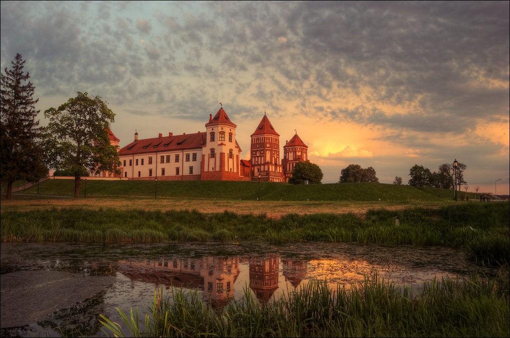Мирский замок - достопримечательности Беларусии 13