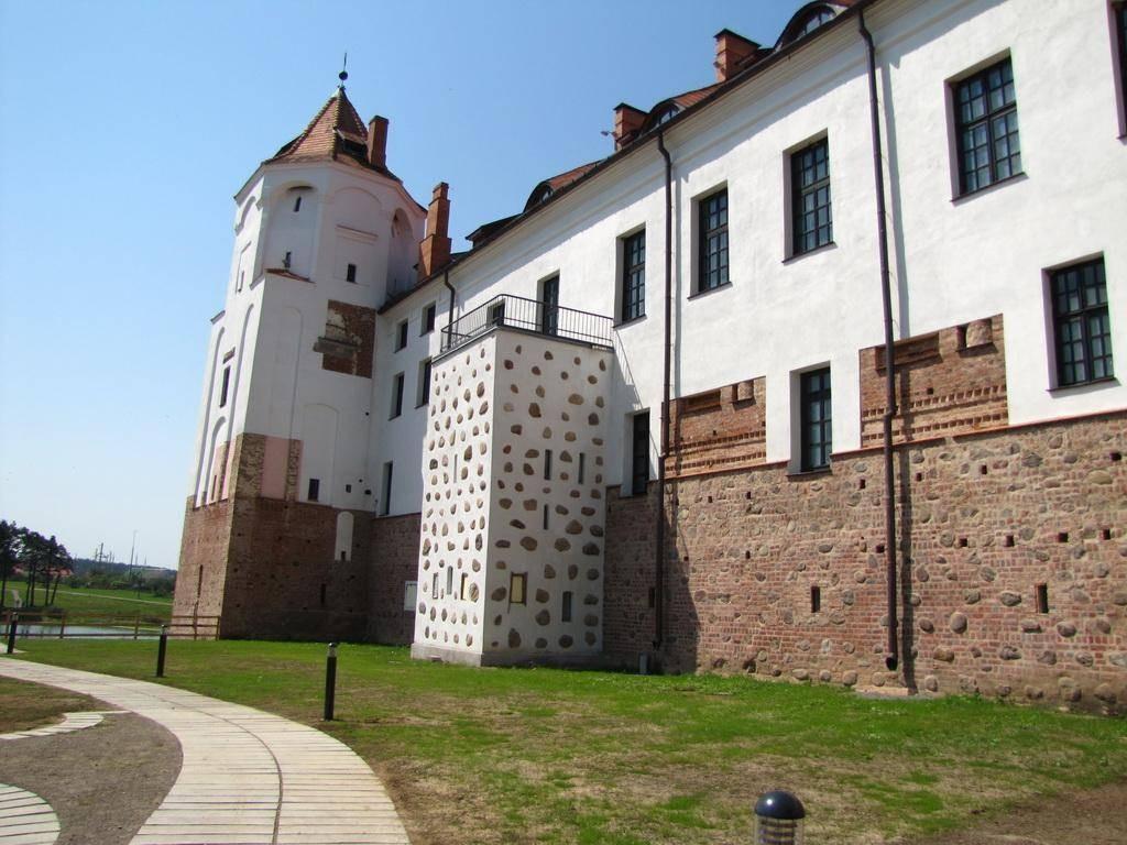 Мирский замок - достопримечательности Беларусии 15