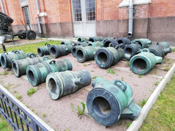 Коллекция осадных мортир в Музее Артиллерии Санкт-Петербурга.