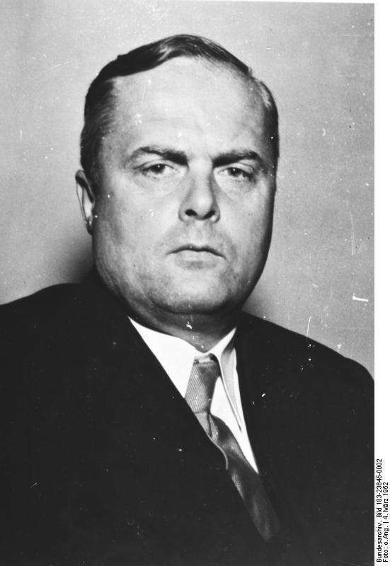 Bundesarchiv_Bild_183-23645-0002,_Theodor_Oberländer-1