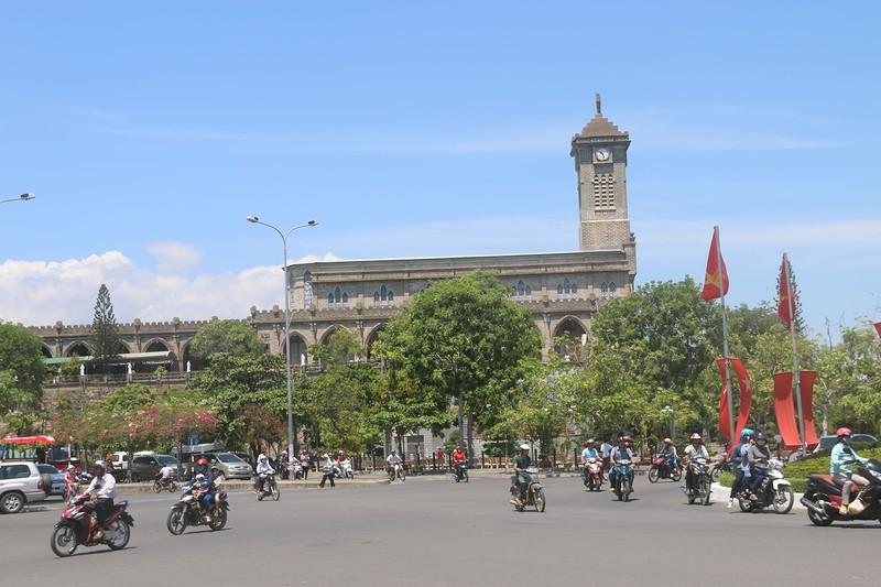 Площадь перед католическим собором 3.jpg