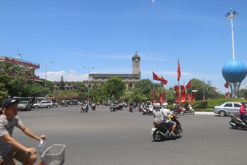 Площадь перед католическим собором 2.jpg