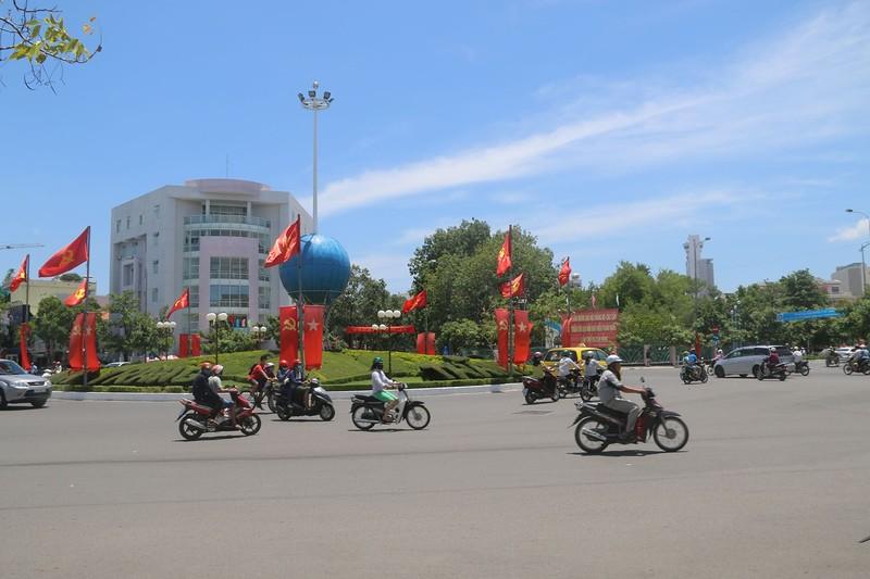 Площадь перед католическим собором 4.jpg
