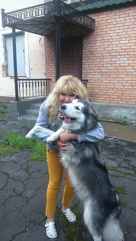 Оля с Кармой июль 2015 2.jpg