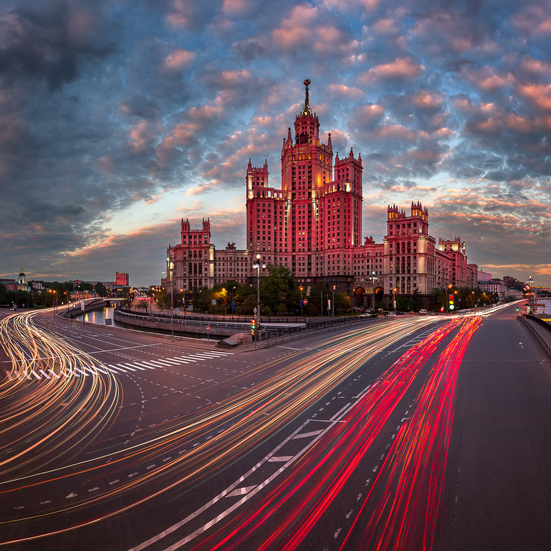 Kotelnicheskaya-Embankment-Building-One-of-the-Moscow-Seven-Sisters-in-the-Evening-Moscow-Russia.jpg