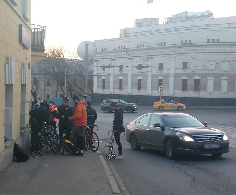 велосипедисты.jpg