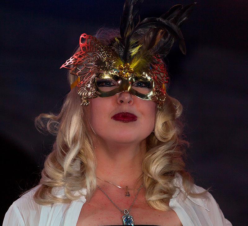 Ольга в маске 1.jpg