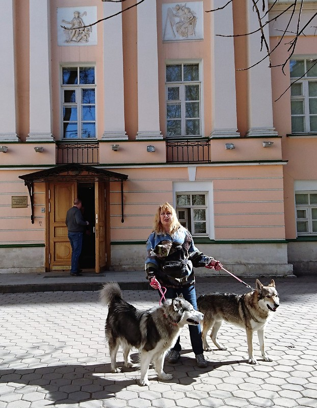Ольга с Кармой и Канисом 13 апреля 2018 2.jpg