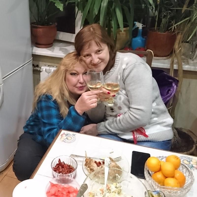 Галя и Ольга 30 декабря 2017 1.jpg
