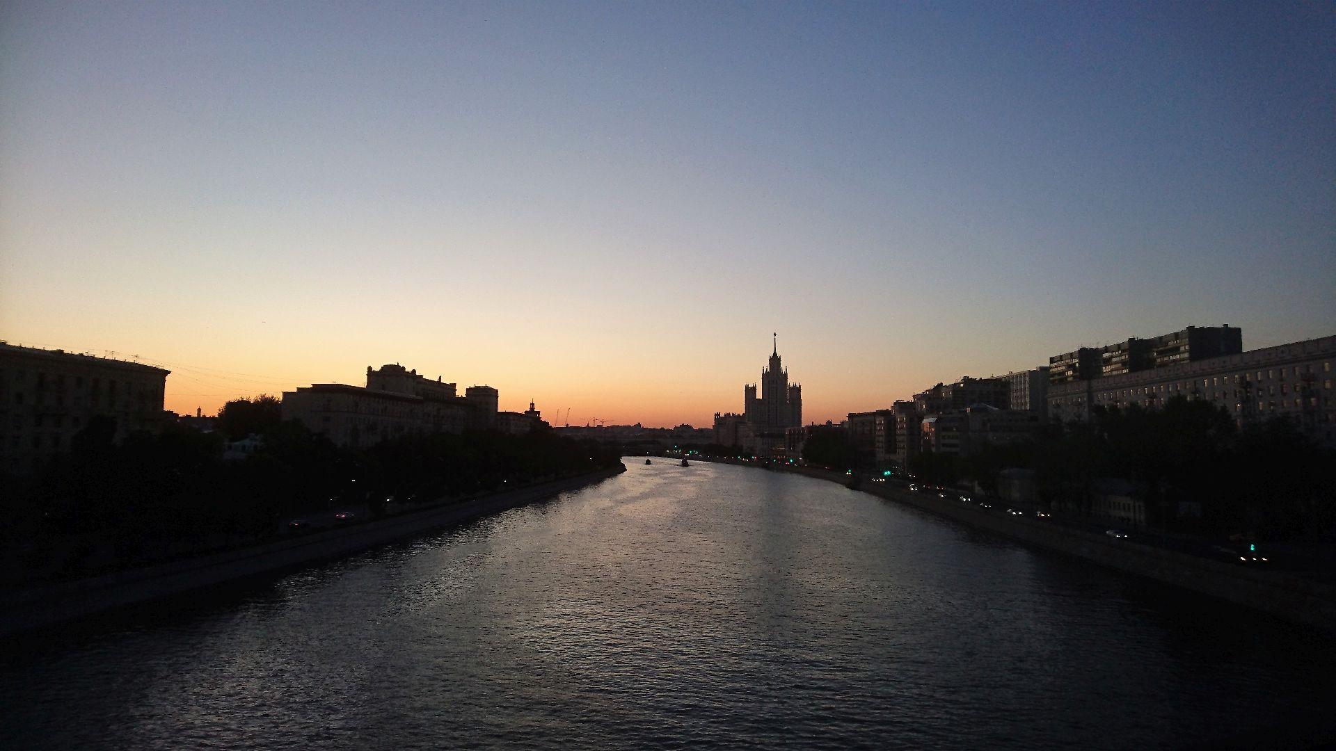 Таганка Вид с Краснохолмского моста июнь 2019.jpg