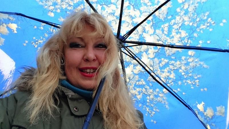 Ольга под зонтиком 1.jpg