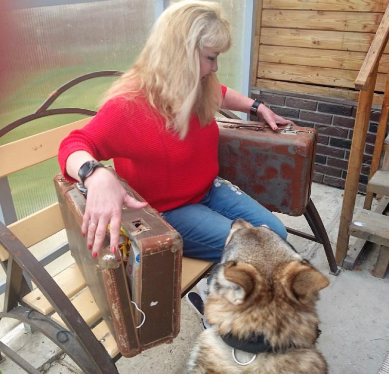 Ольга с чемоданами 6.jpg