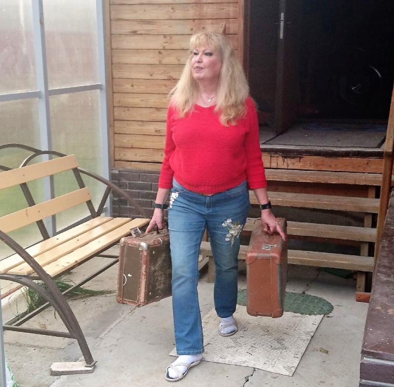 Ольга с чемоданами 8ъ.jpg