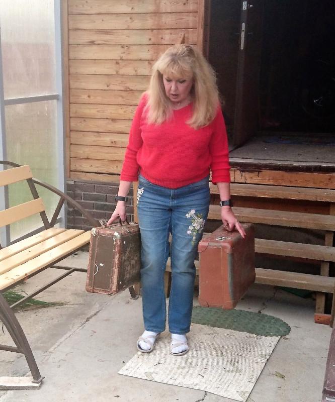 Ольга с чемоданами 10.jpg