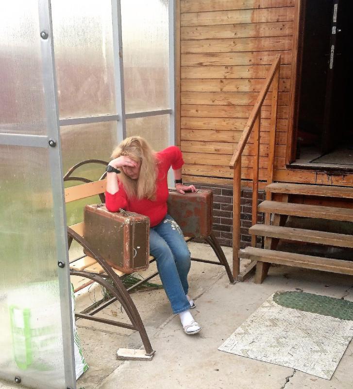 Ольга с чемоданами 12.jpg
