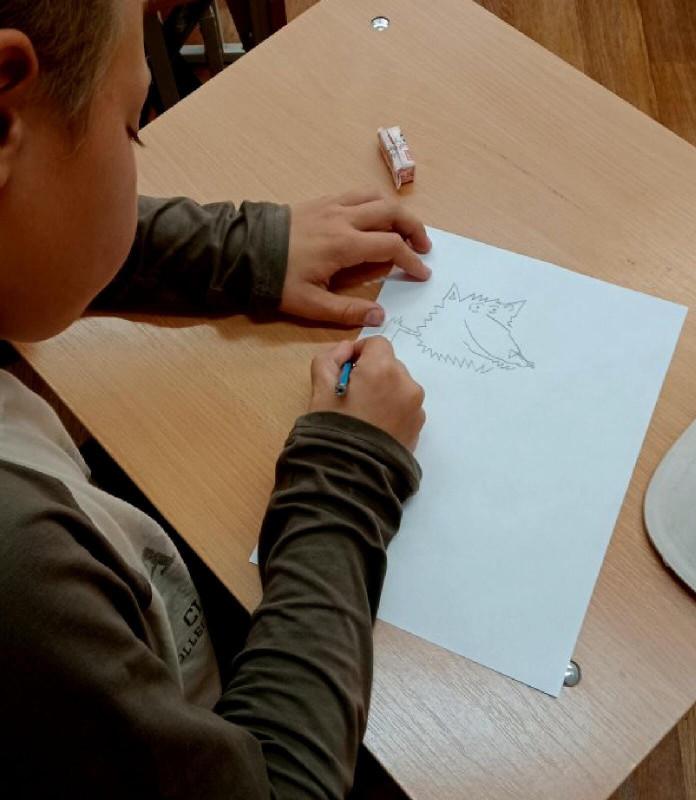 Дети из Нижнего Тагила рисуют Каниса..jpg