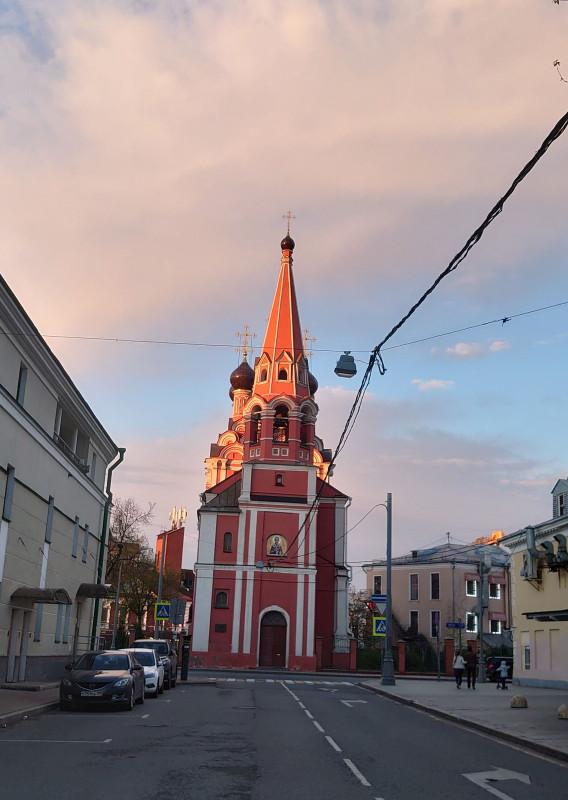 Таганка 9 мая 2021 церковь 2021 2.jpg